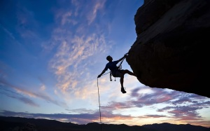 Courage-to-challenge-the-climb-of-the-cliff_1440x900