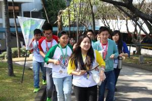 Students from ICA, Poveda, LSGH and Xavier go through the Amazing race as one united pack