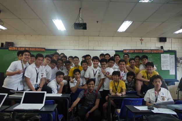 CLASS PICTURE DURING OUR LAST FILIPINO CLASS
